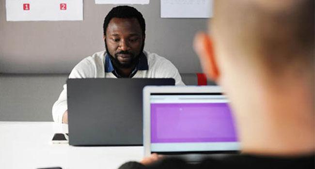 Développeur web : comment trouver facilement des clients